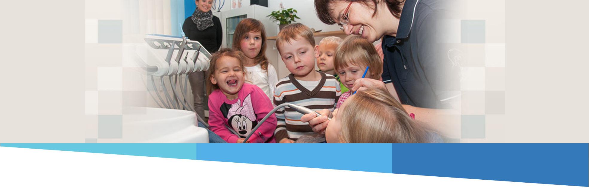 Sandra Hintze Zahnärzte aus Trebbin beim Kindernachmittag